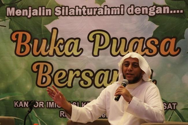 Resmi Jadi WNI, Syekh Ali Jaber: <i>I Love You Indonesia</i>
