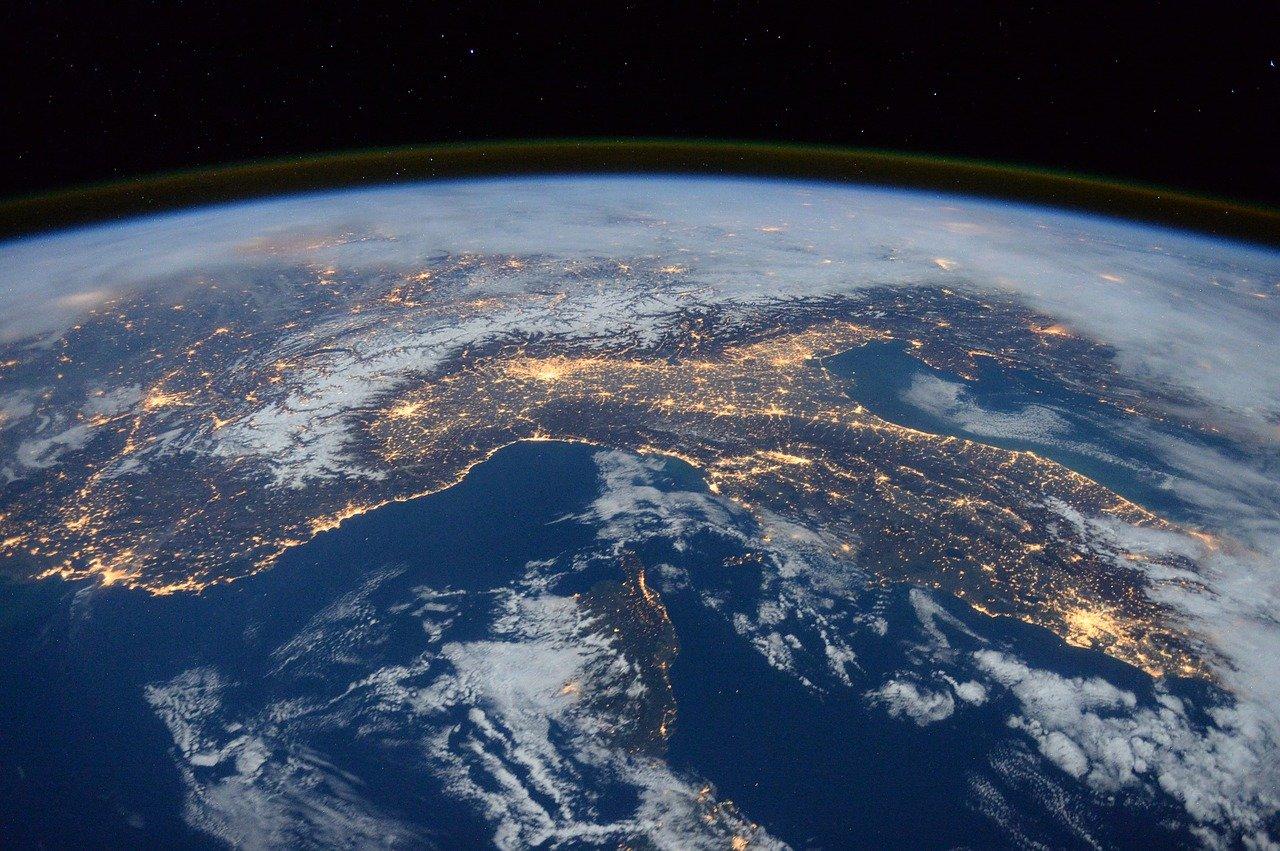 Manusia Lebih Banyak Diam di Rumah, Ini Perubahan yang Terjadi pada Bumi