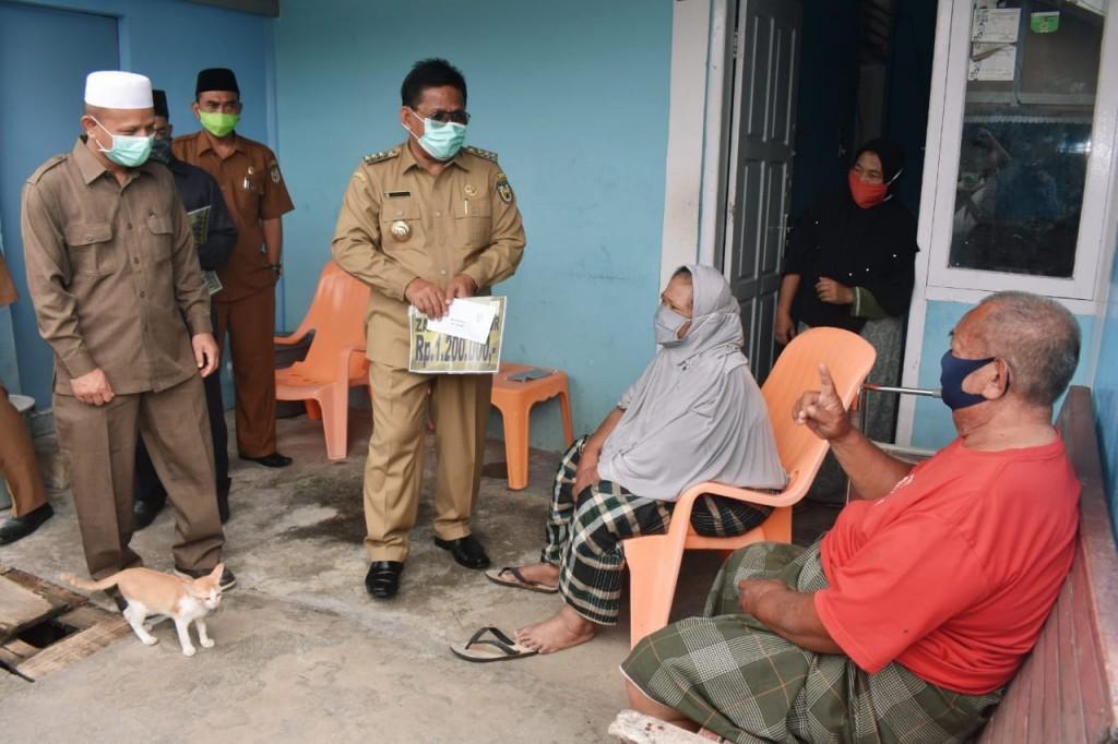 Baitul Mal Banda Aceh Bagikan Zakat Sejumlah Rp5,04 Milyar
