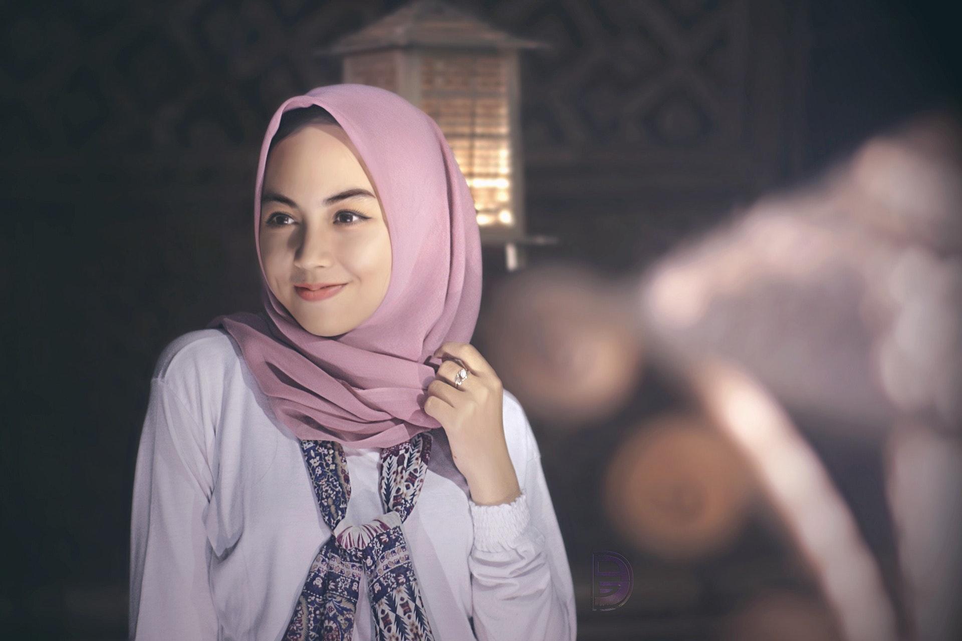 5 Tips Merawat Rambut bagi Hijabers Selama Karantina