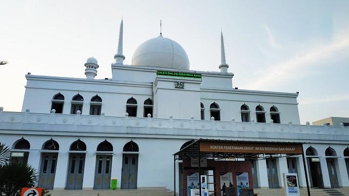 Masjid Agung Al-Azhar akan Gelar Salat Jumat, Jumlah Jemaah Dibatasi