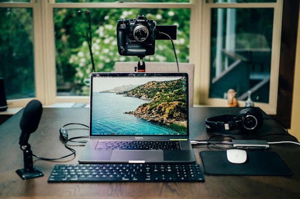 Kamera Olympus Mirrorless Bisa Diubah Jadi Webcam