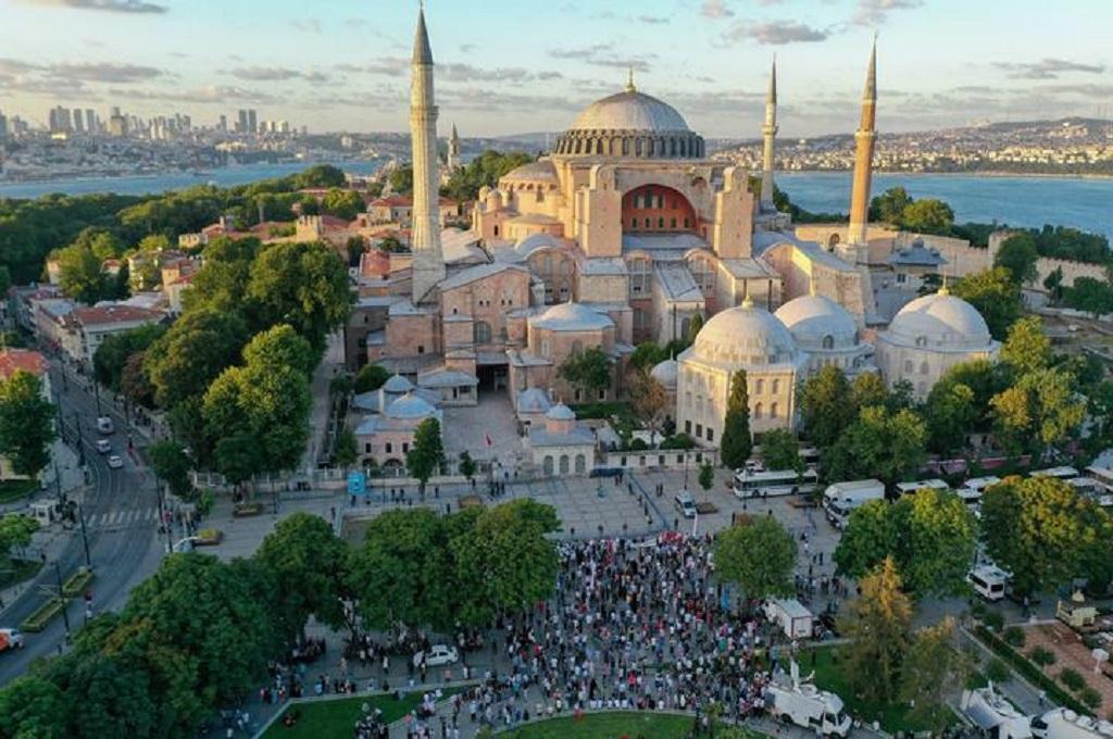 Pernah Jadi Katedral dan Museum, Kini Hagia Sophia Diubah Jadi Masjid