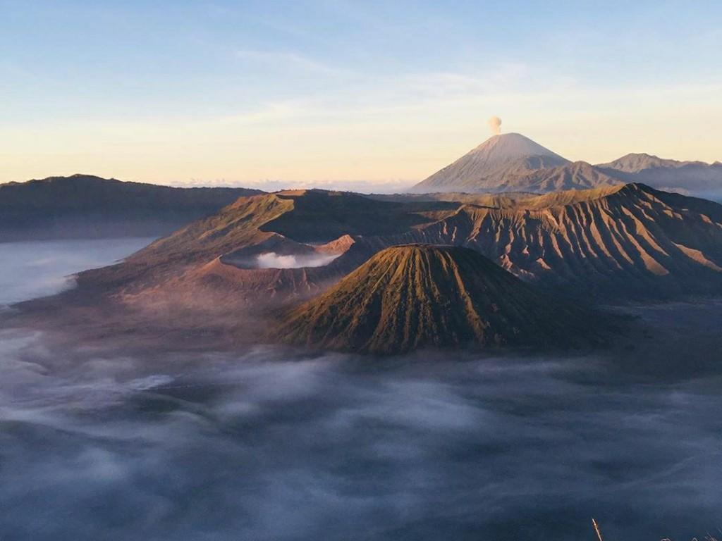Kawasan Wisata Alam Bromo Dibuka Mulai Hari Ini