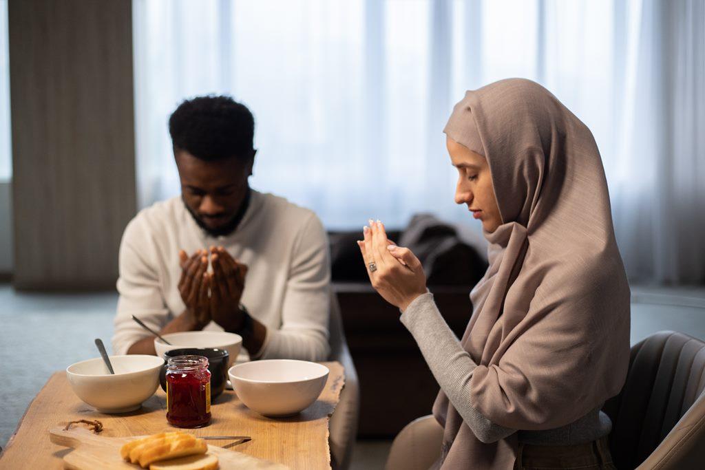 6 Lafal Bacaan Niat Puasa Ramadhan Lengkap Beserta Arab, Latin dan Terjemahnnya