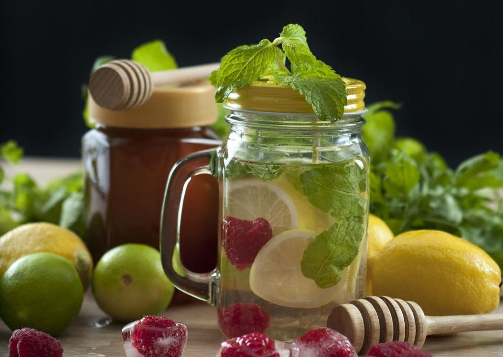 Infused Water, Minuman Sehat Pelepas Dahaga yang Cocok untuk Buka Puasa
