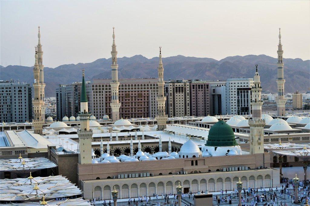 Masjid Nabawi, tempat Nabi Muhammad SAW dimakamkan (Gambar oleh Konevi dari Pixabay)