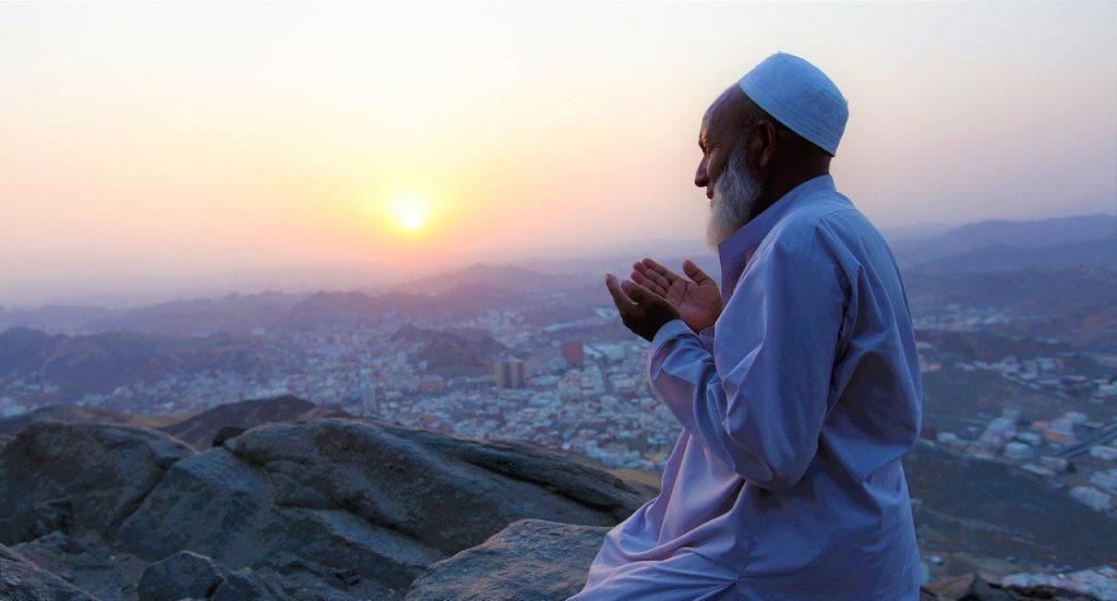 6 Waktu Mustajab untuk Berdoa Agar Dikabulkan