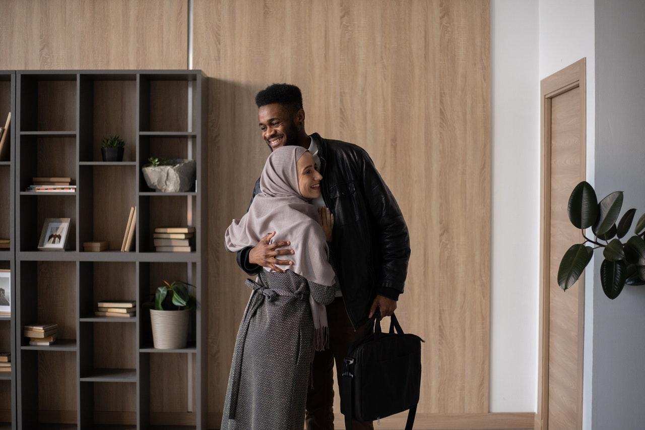 Wajib Ditiru Suami! Ini 5 Perilaku Romantis Nabi Muhammad